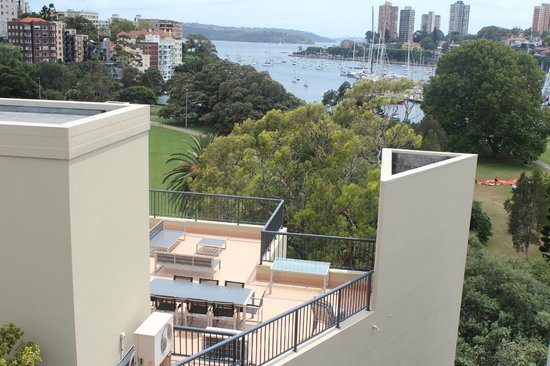 Vibe Hotel Rushcutters Bay Sydney: View from rooftop pool area