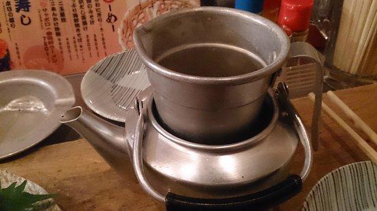 Uosen, Hirooka : 熱燗、お湯を張って冷めないように