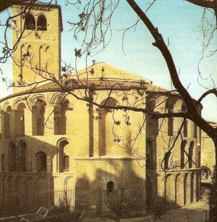 Chiesa di Santa Sofia : Vista esterna col campanile