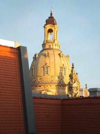 Steigenberger Hotel de Saxe: Wir hatten Glück mit der Aussicht über den Innenhof