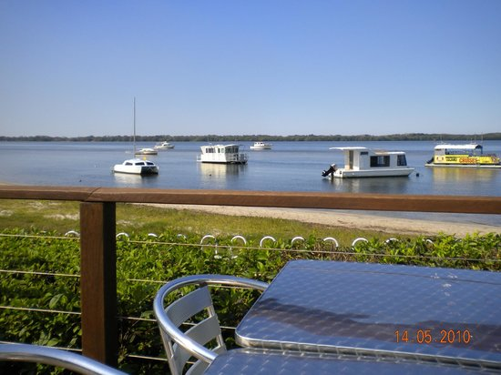 Outdoor dining, Caloundra Power Boat Club
