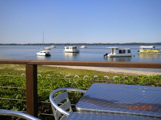 Caloundra Power Boat Club: Outdoor dining, Caloundra Power Boat Club