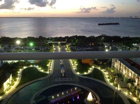Hard Rock Hotel Cancun: Vista do quarto, voltado para o lago.