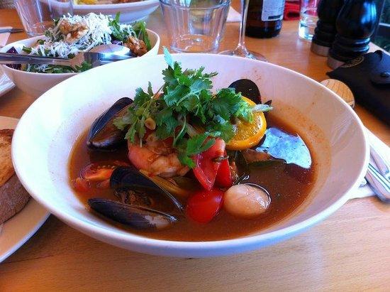 """Beach Byron Bay: Amazing """"orange curry"""""""