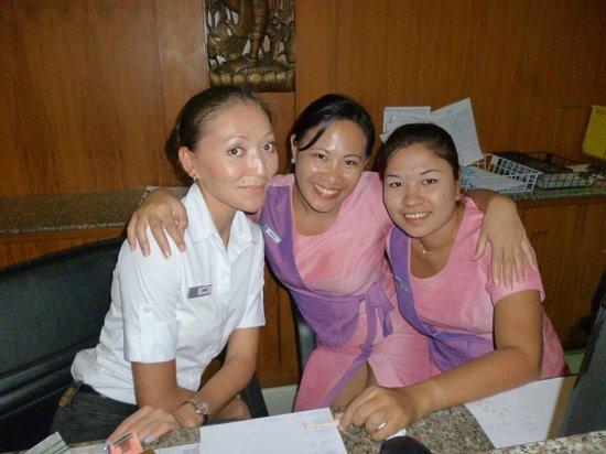 Baumancasa Karon Beach Resort : персонал отеля(reception)