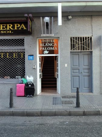 Hotel Blanca Paloma: Blanca paloma Hotel Entarance