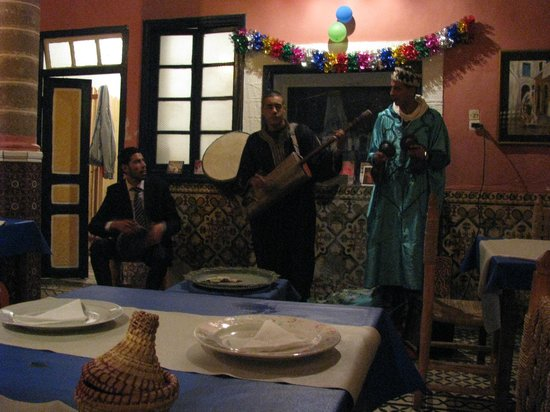 Restaurant Dar Dheb: Musicians at Dar Dheb