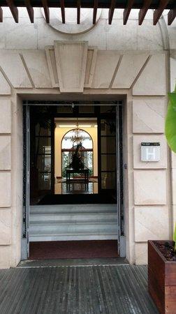 IBEROSTAR Grand Hotel Mencey: Entrada al Hotel