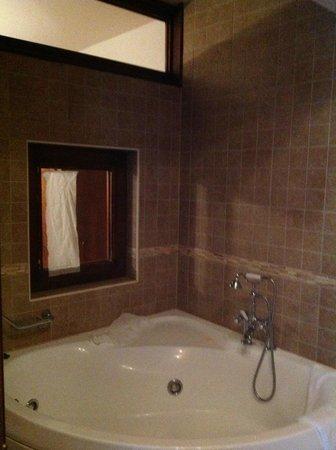 Villa Duomo : В ванной комнате есть окно