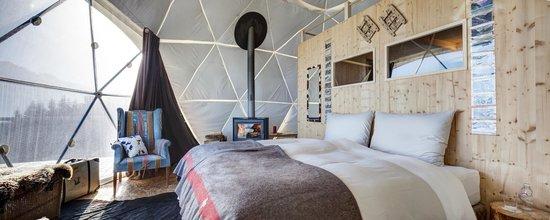 Whitepod Eco-Luxury Hotel : Pod inside