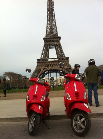 Left Bank Scooters: Our gang in front of the Eiffel Tower