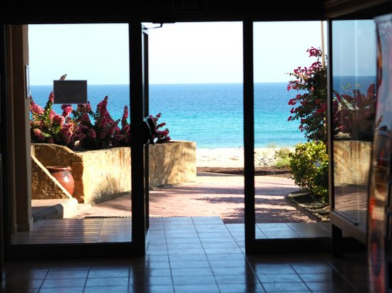 Iberostar Playa Gaviotas: Heading out to the beach area