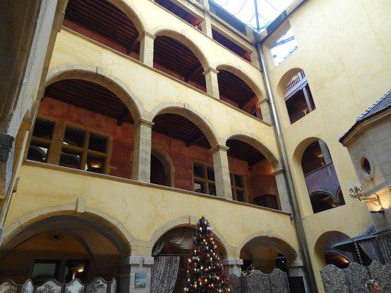 Cour des Loges: Innenhof