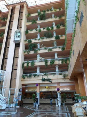 Playacapricho Hotel : Lift en inkom