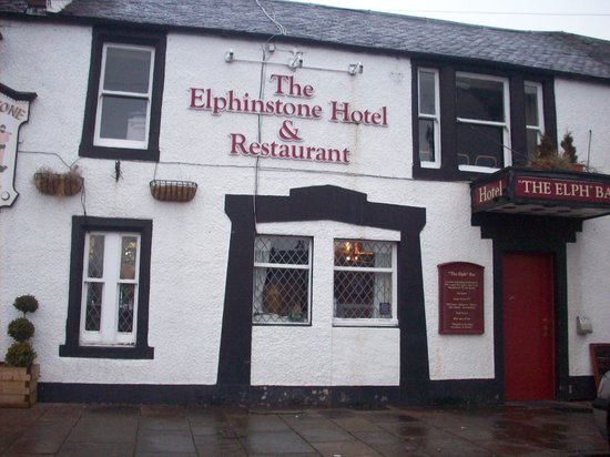 Elphinstone Hotel: front of the hotel