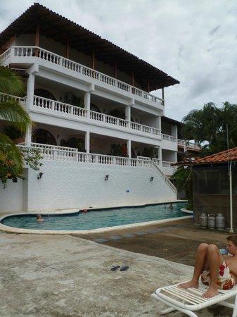 La Colina: zwembad van de andere kant