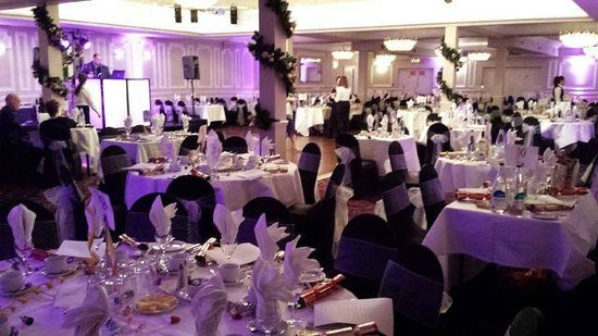 Hallmark Hotel London Chigwell Prince Regent: The Function Room ready for the Gala Dinner/Dance