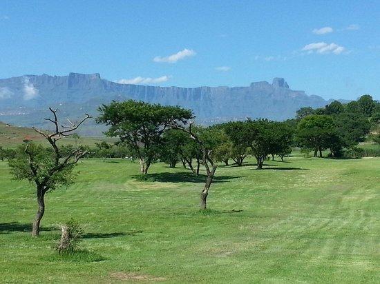 Hlalanathi Drakensberg Resort: Stunning view