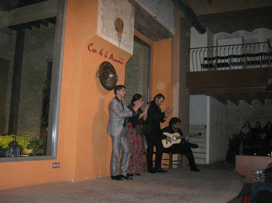 Casa de la Memoria : Stage with the performers