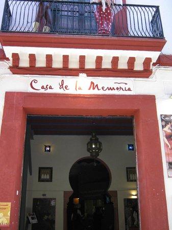 Casa de la Memoria : Entrance