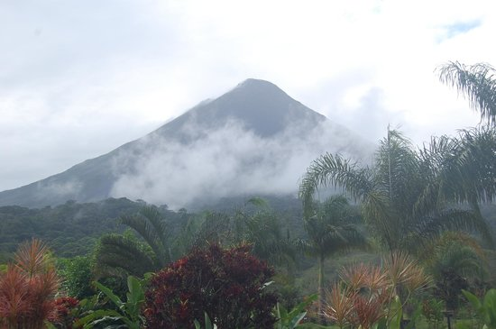 Arenal Kioro Suites & Spa: View of Arenal Volcano
