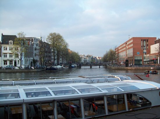 Hampshire Hotel - Eden Amsterdam: View from the hotel