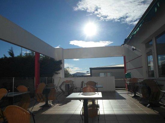 Ibis Toulon La Valette : Spazio all'aperto