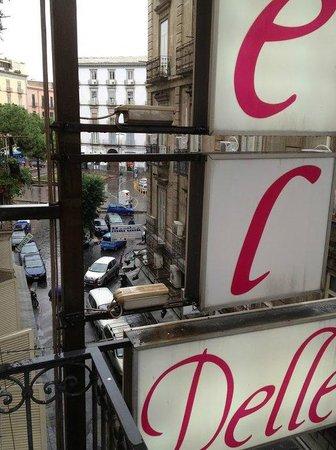 Hotel De la Ville : вид с балкона номера