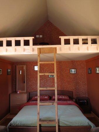 Meghalaya, India: Cabin inside
