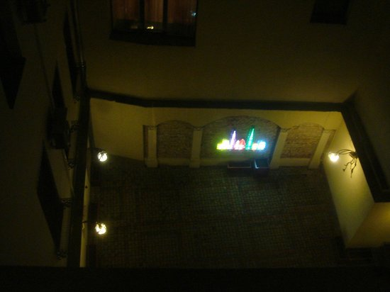 Hotel Garden Palace: Вид на внутренний дворик