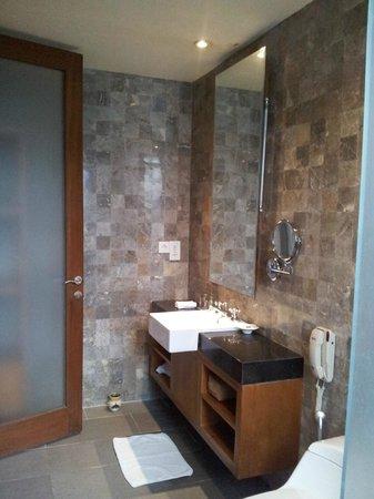 Rama Garden Hotel Bali: Batroom Room 106
