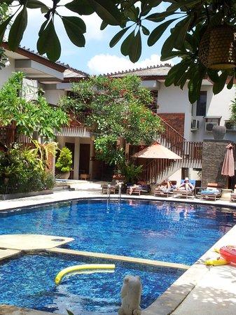 Rama Garden Hotel Bali: Pool Area