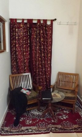 Sunder Palace Guest House: reading corner in my room