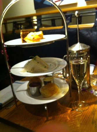 Quod Restaurant & Bar : High Tea