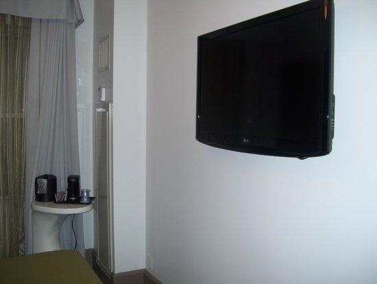 Holiday Inn Express Hotel Cass: tv