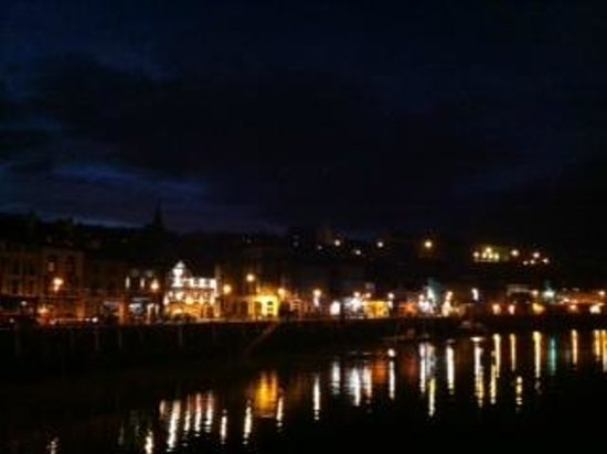 The Pier Inn Whitby: Whitby @ night