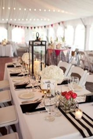 Quechee Inn At Marshland Farm: Tables for the Reception