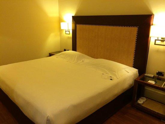 UNA Hotel Roma : letto