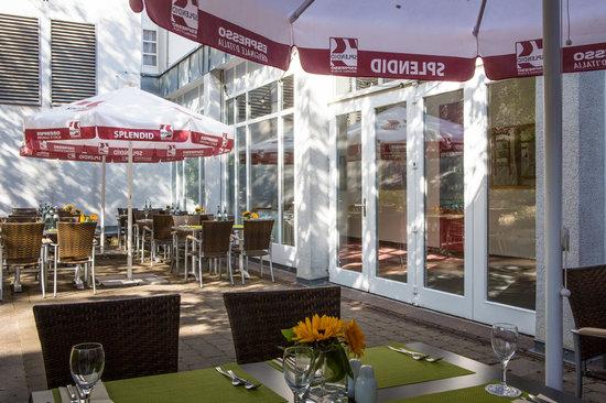 BEST WESTERN Hotel Am Schlossberg: Europa Terrasse