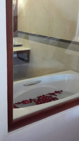 Saem Siemreap Hotel: A nice bath