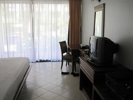 Sunset Beach Resort: Room extras