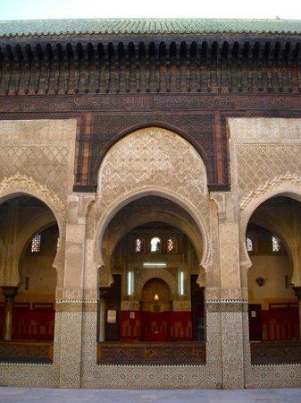 Kairaouine Mosque (Mosque of al-Qarawiyyin): Particolare del chiosto interno  (Kairaouine Mosque)
