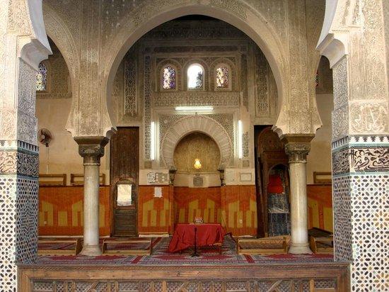 Kairaouine Mosque (Mosque of al-Qarawiyyin) : Particolare del chiostro interno (Kairaouine Mosque)