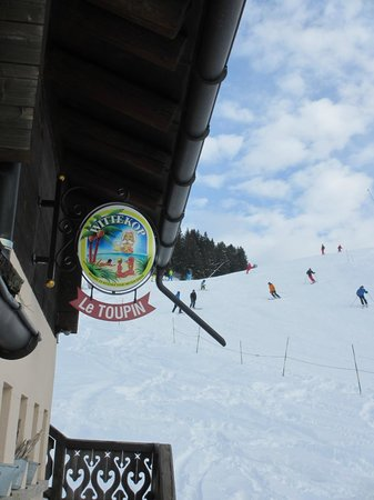 Restaurant LE TOUPIN : Right on the piste