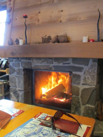 Restaurant LE TOUPIN : Fireplace
