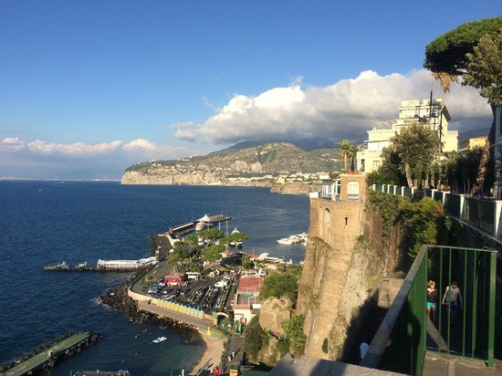 Hotel Sorrento City: short walk to this view