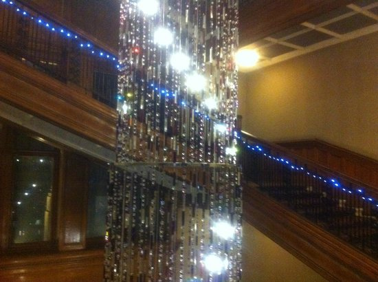Grand Central Hotel: Chandelier View 1