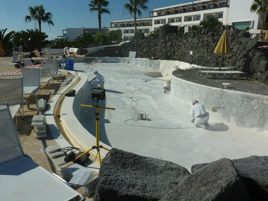 Hesperia Lanzarote : Only heated pool taken out of action