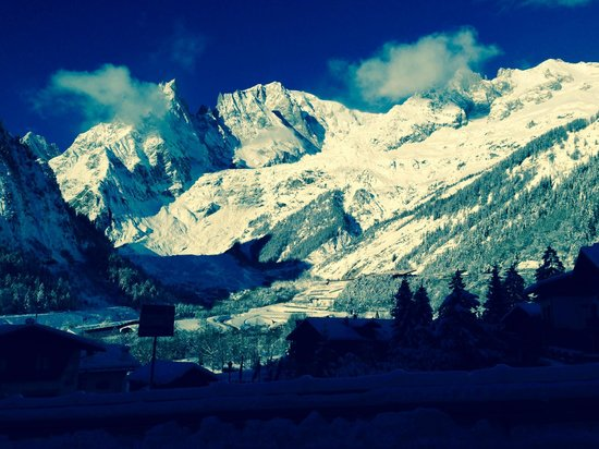 Hotel Aigle : Monte Bianco from our balcony