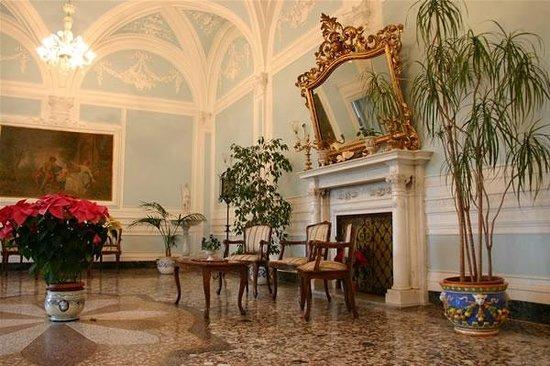 Istituto Suore S. Giovanni Battista - Villa Merlo Bianco : Un salone